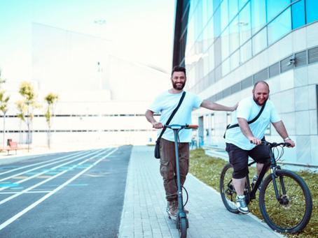 אחת ולתמיד- קורקינט או אופניים חשמליים?