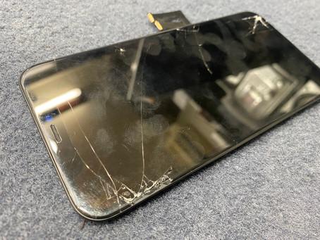 10/3  iPhone XS画面修理