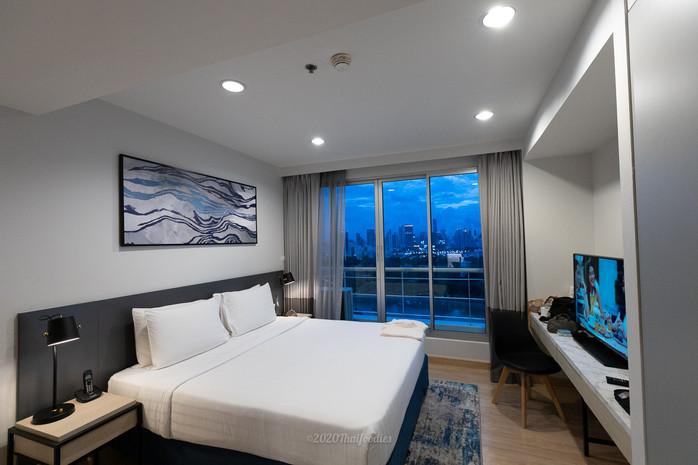 Shama Lake view Asoke Best Service Apartment, good location on Sukhumvit 16
