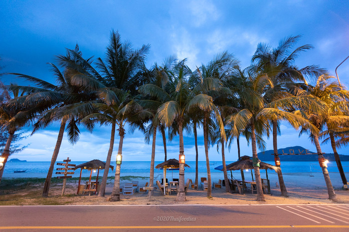 Lovely, family-friendly resort Dolphin bay located in Pranburi.
