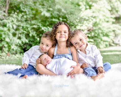 sibling newborn photo.jpg
