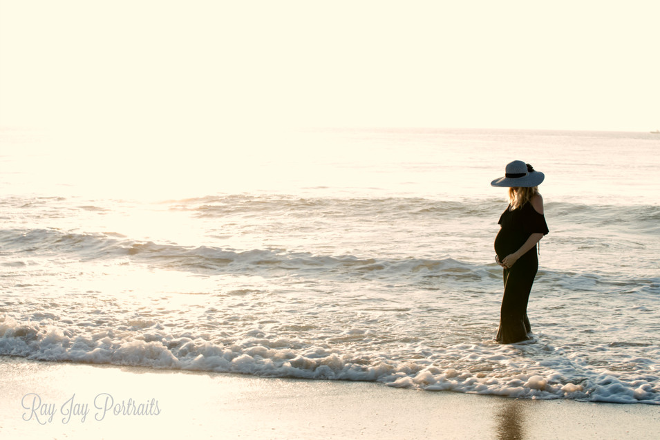 maternity beach session