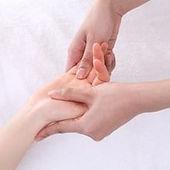 handtreatment-min.jpg