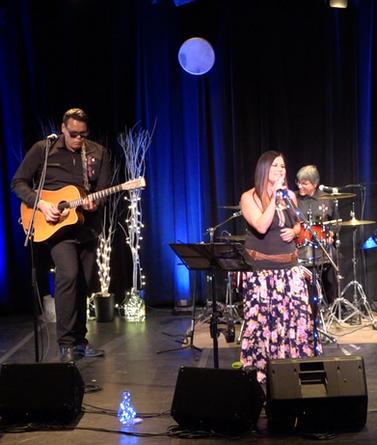 Performance at the Gordon Tootoosis Nīkānīwin Theatre, Saskatoon