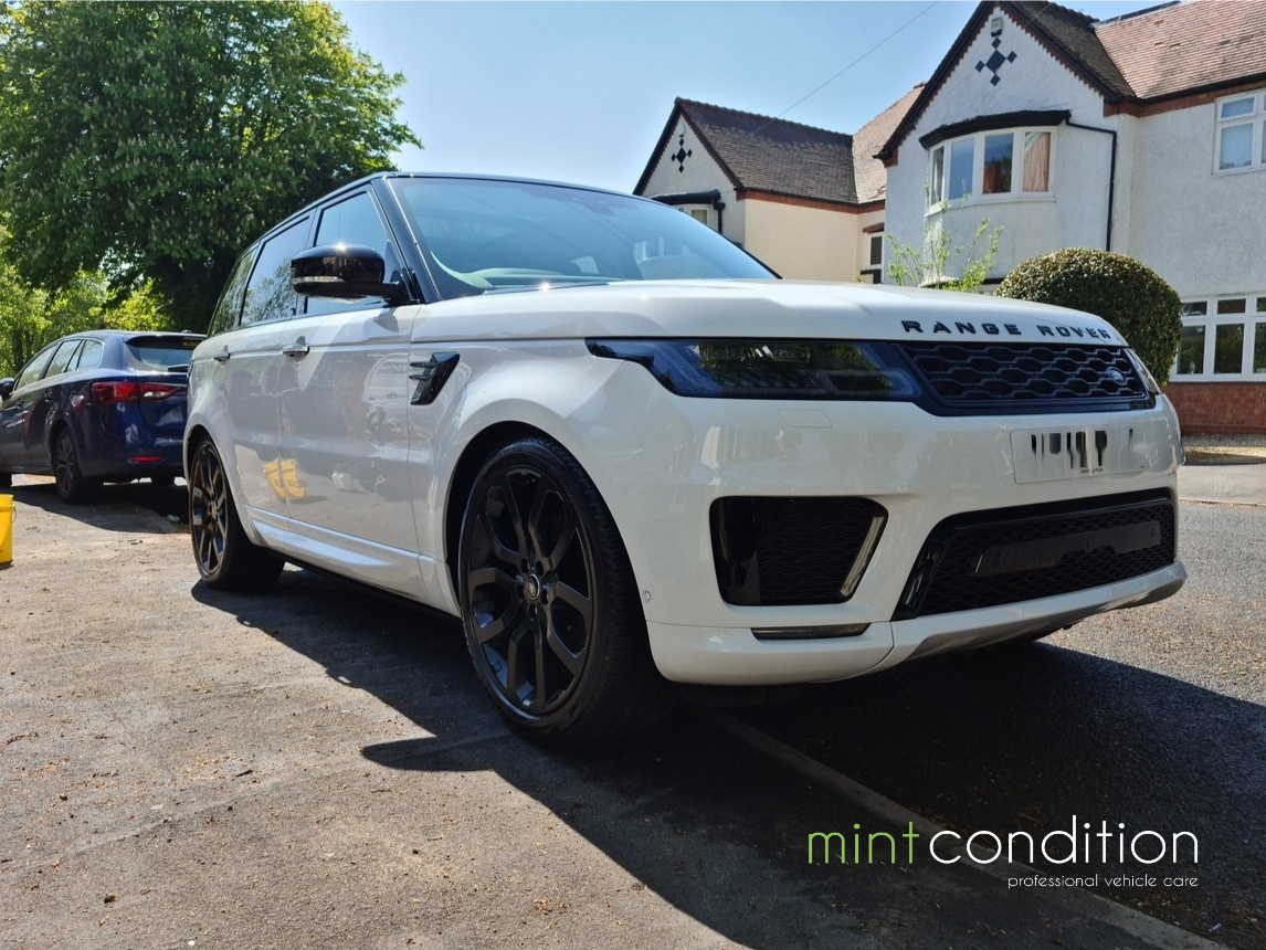 Range Rover Sport White - Three Star