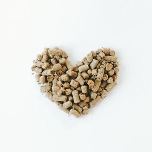heart love pet food