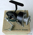 Extremely rare Hume Threadline casting fishing reel & original Hume Box -c.1957.