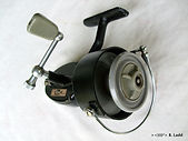 Hume threadline casting  fishing reel.