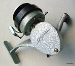 Spinall threadline spinning reel Left hand wind, silver hammer-tone paint finish - A mint example.