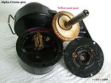 Alpha CRESTA 400 vintage fishing reel gear housing view