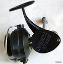 Spinall De Luxe vintage fishing reel   embossed logo  view.