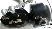 Hume vintage fishing reel made in Australia side plate decal.