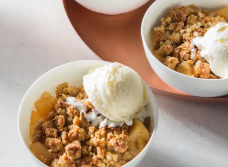Apple and Macadamia crumble