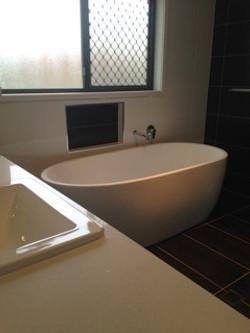 Main Bathroom bath