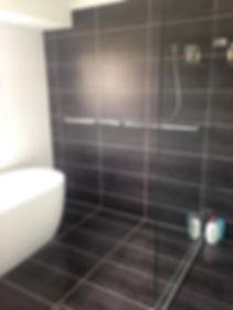 Main Bathroom Shower 2.jpg