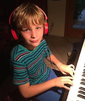 Cassius-piano.jpg