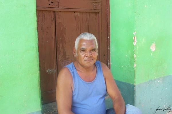 cuba-trinidad-older-man-glamazons-blog-600x400.jpg