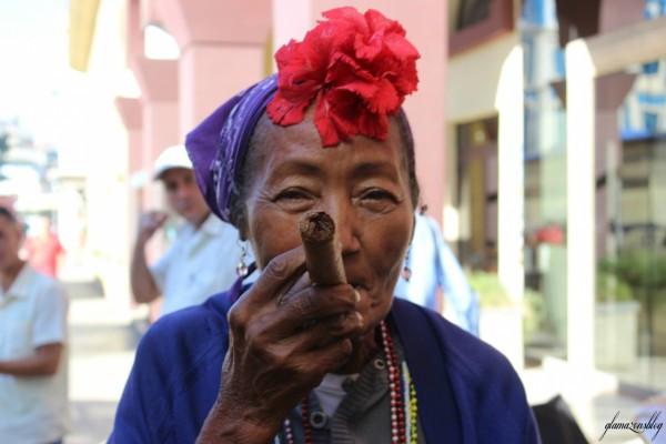 cuba-havana-older-woman-cigar-glamazons-blog-600x400.jpg