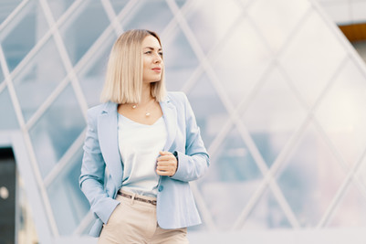 successful-business-woman-in-blue-suit-R