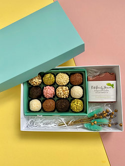 Sweet delicacy gift box