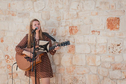 Acoustic Guitarist Singer lauraspaperheart available wedding international