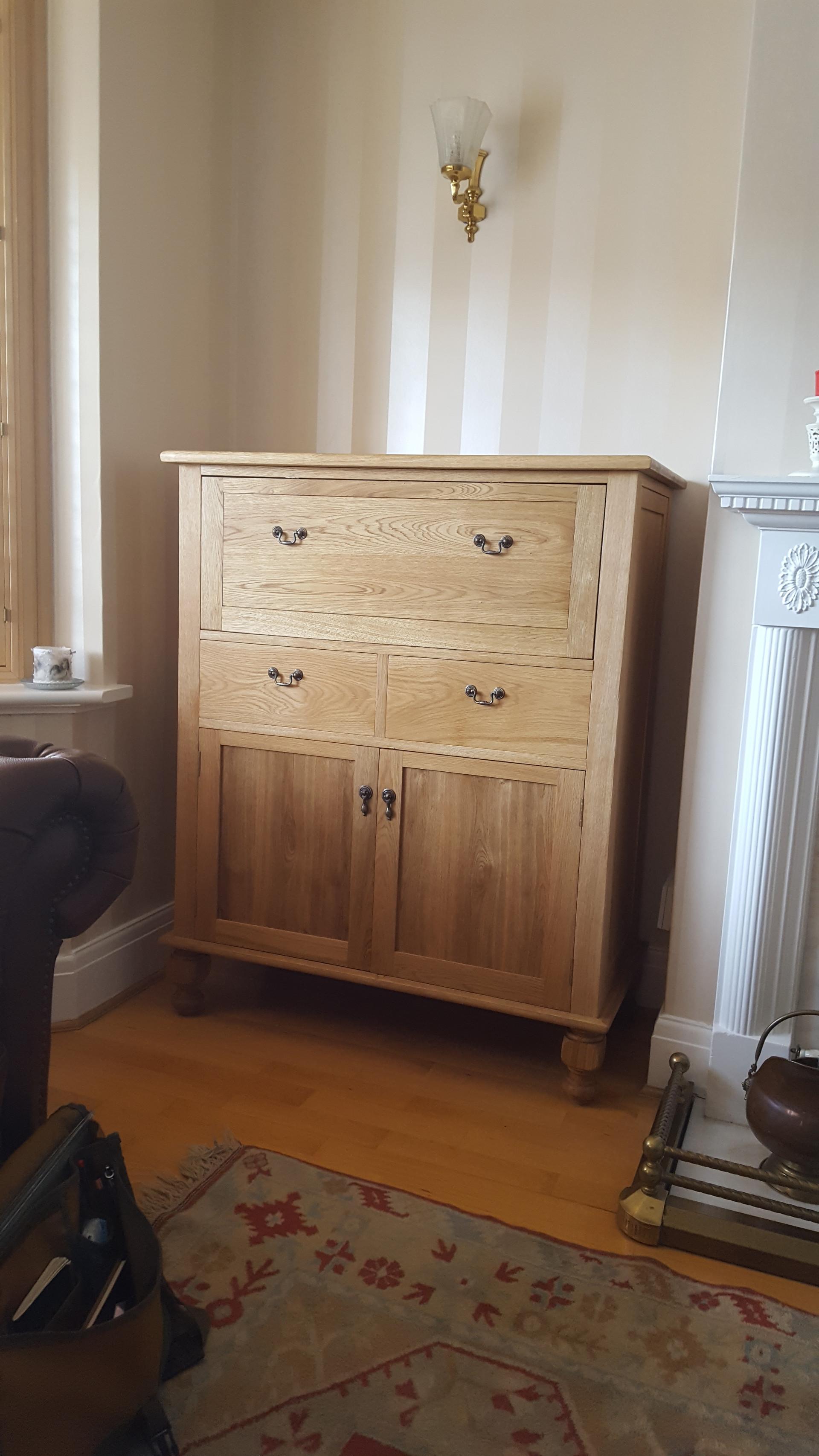 Cabinet in Oak