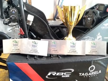 Carro de corrida campeão brasileiro.