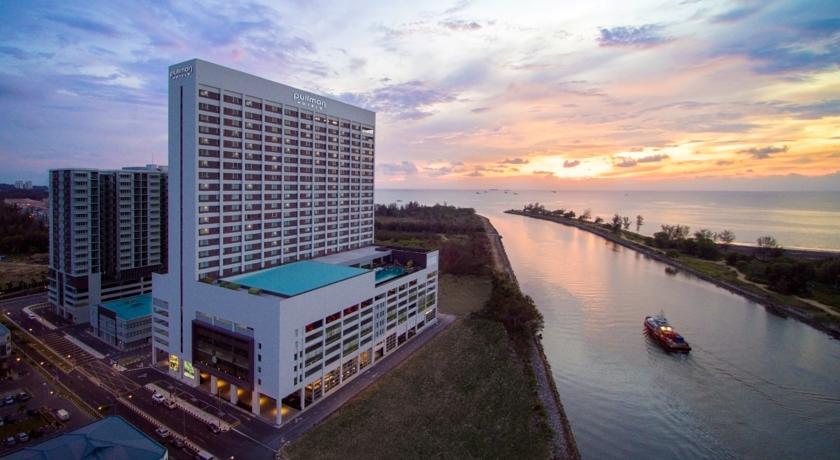 Pullman Miri Waterfront  (Sunset)