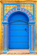 ornate-moroccan-doorway-essaouira-andrea