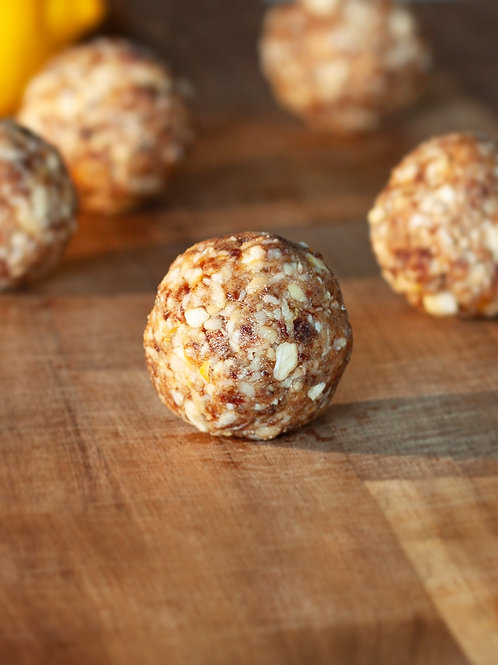Lemon Drizzle Protein Ball