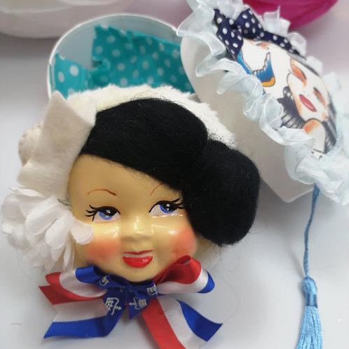 Vintage Style Kitsch Powderpuff Gift Box