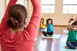 yoga - coach in front
