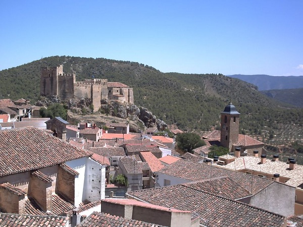 Yeste (Castillo e Iglesia)