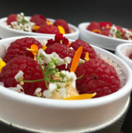 Dessert :  Mascarpone au « dulce de leche » (confiture de lait) et framboises