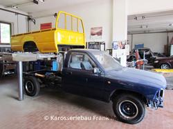 VW Taro einsetzen der Pritsche