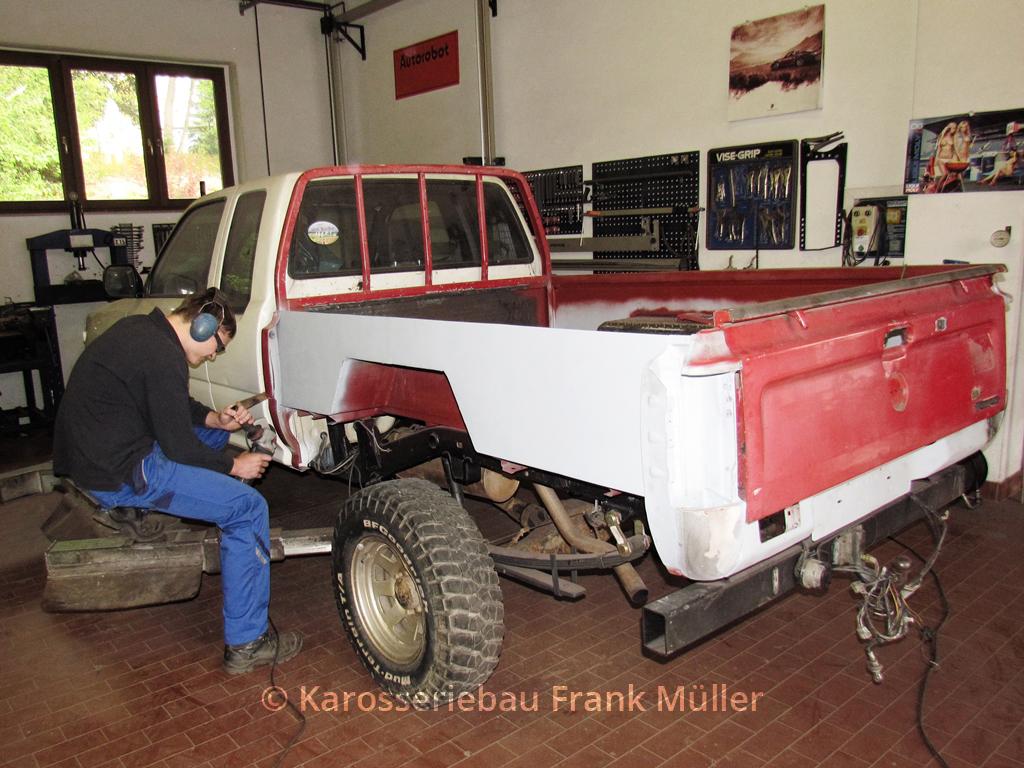 VW Taro aufgebaute Pritsche