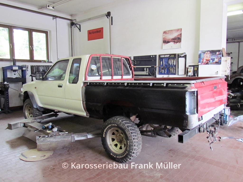 VW Taro neu angefertigte Pritsche