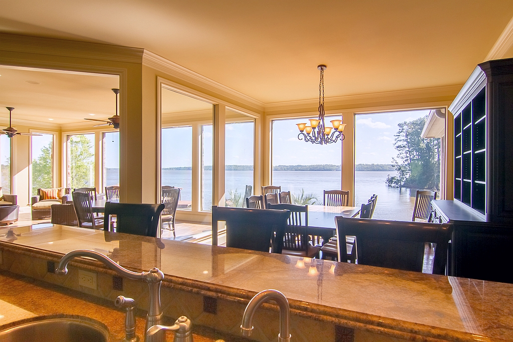 Dining room, bay view