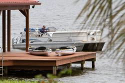 Pontoon boat 2 kayaks