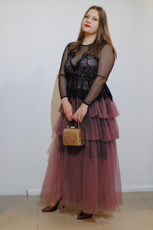Garā kleita, Vanessa Scott