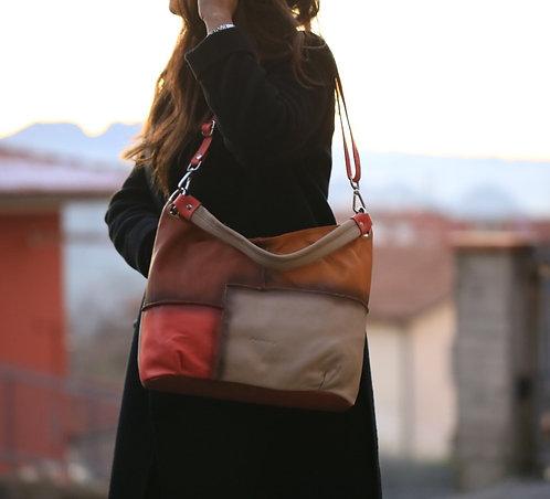Krāsaina soma, Jenny