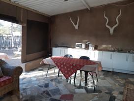 Luna - Kitchen Area