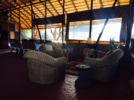 Chinaka Lodge - Lounge Area
