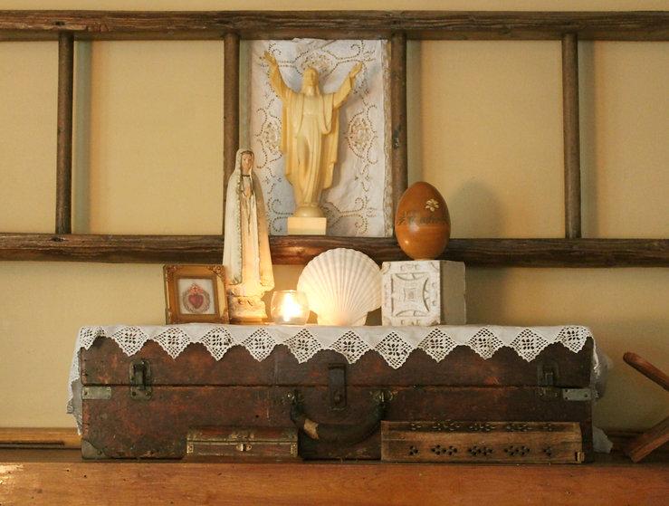 home-altar-resurrection.JPG