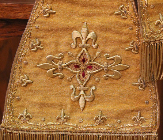French Gold stole detail 5