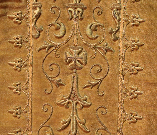 French Gold front detail 1