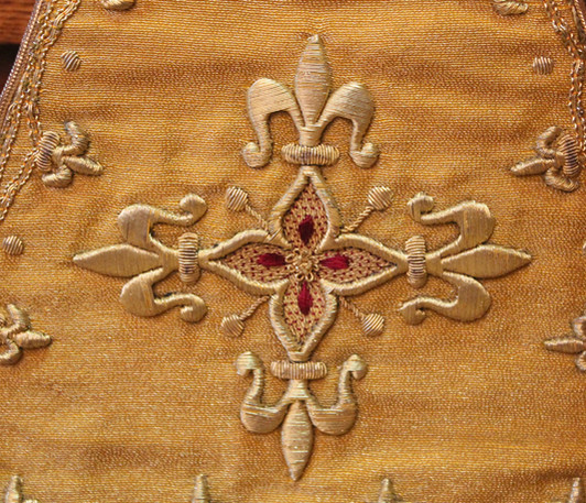 French Gold stole detail 1