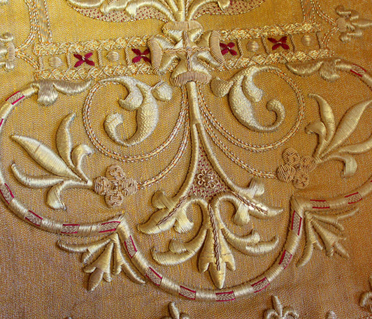 French Gold back detail 3