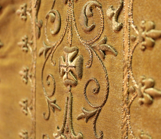 French Gold front detail 3