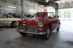 1962 MG Midget Interior-Exterior (1)